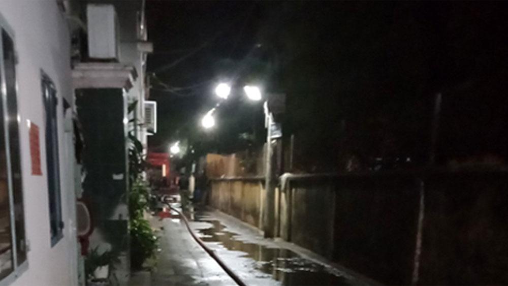 Cháy nhà ở TP Hồ Chí Minh, 5 người chết